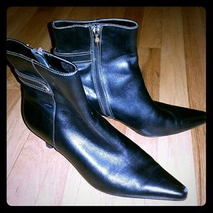 Black leather ankle boots, Anne Klein, size 7.5